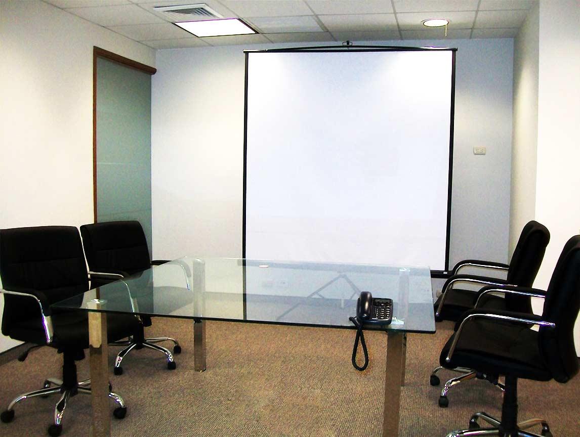 Implementación de oficinas Real Systems S.A.