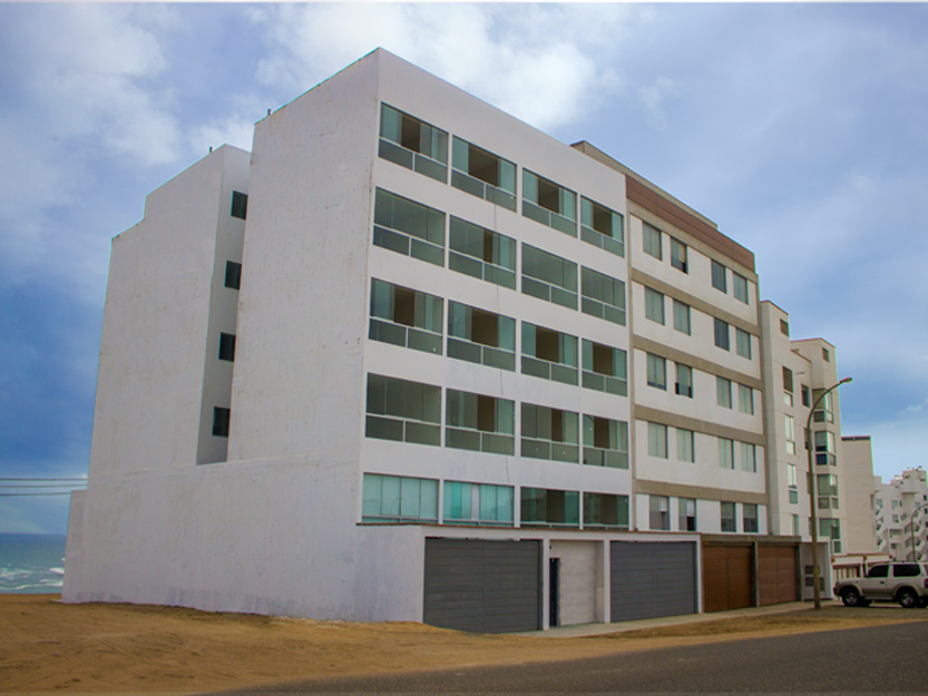 Edificio de departamentos en playa Caballeros (Punta Hermosa)